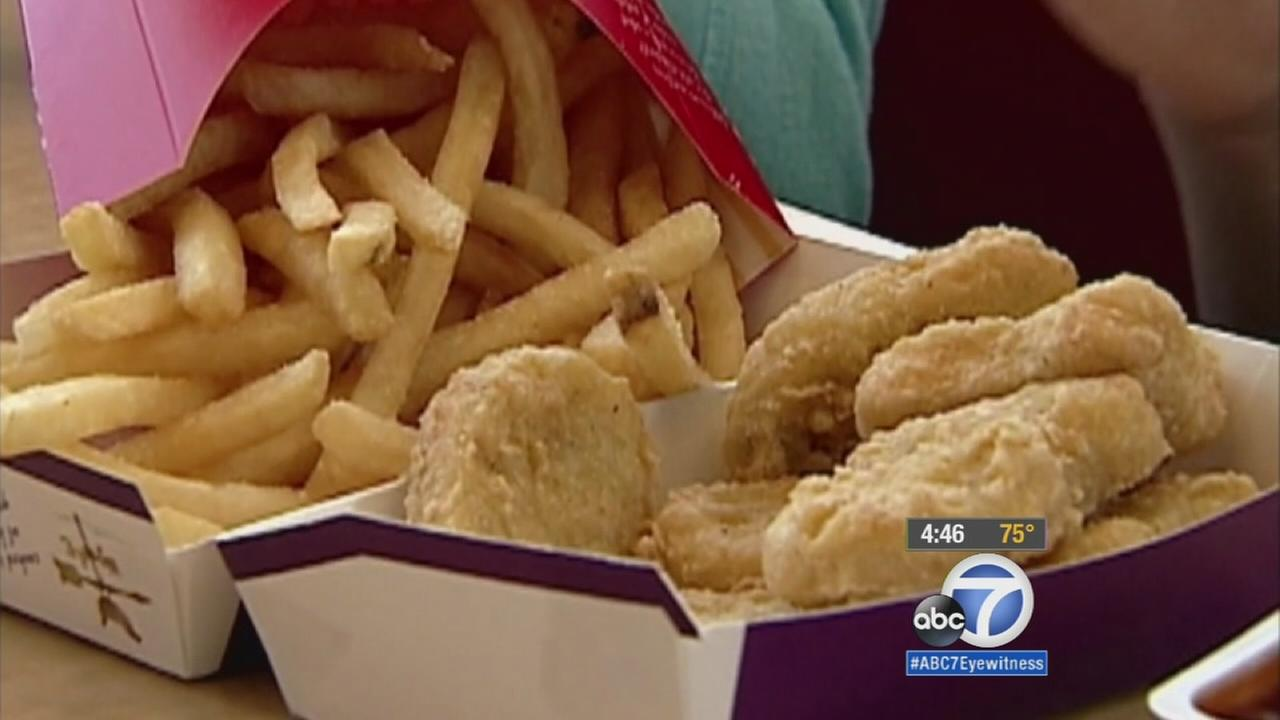 A report from the Centers for Disease Control and Prevention shows kids average about 245 calories worth of fast food every day.
