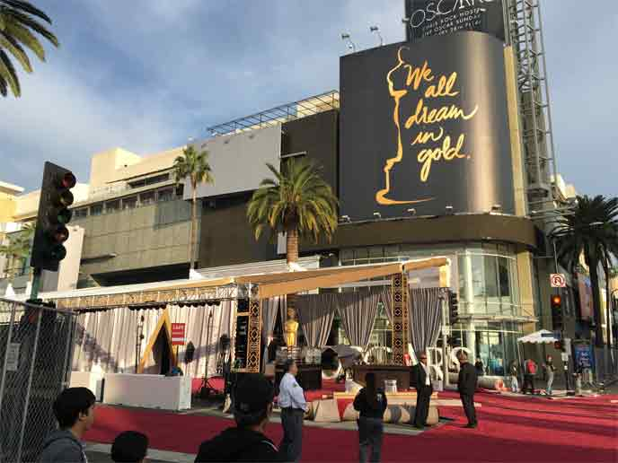 <div class='meta'><div class='origin-logo' data-origin='none'></div><span class='caption-text' data-credit=''>The red carpet and the Dolby Theatre gets prepped hours before the Oscars ceremony.</span></div>