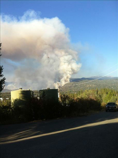 Juction Fire burning in Oakhurst California <span class=meta>KFSN Photo</span>