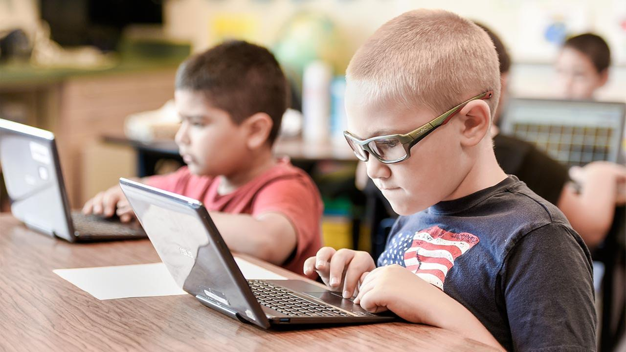 Personalized Learning Initiative Aims to Develop Student Digital Literacy