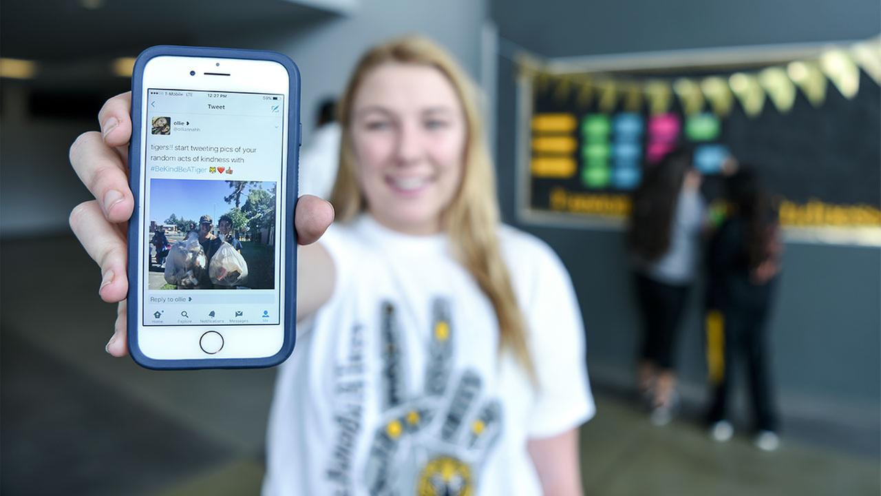 Students Aim to Inspire 15,000 Acts of Kindness