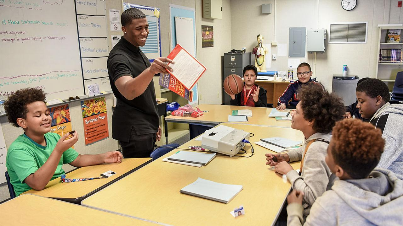 Wawona Aide Draws on His Experiences to Mentor Students