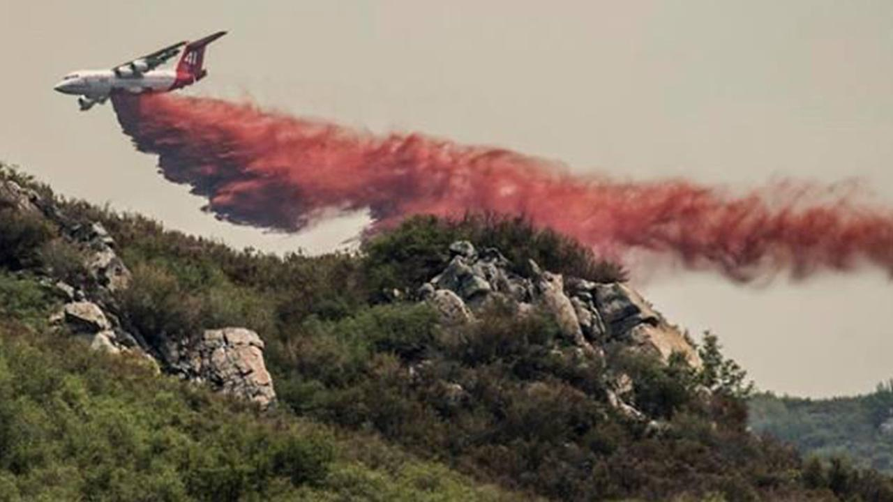 El Portal Fire - air tanker