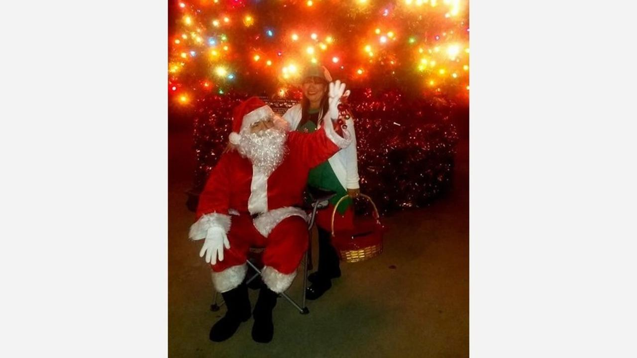 Selma man dons Santa suit for those who can't afford mall pictures
