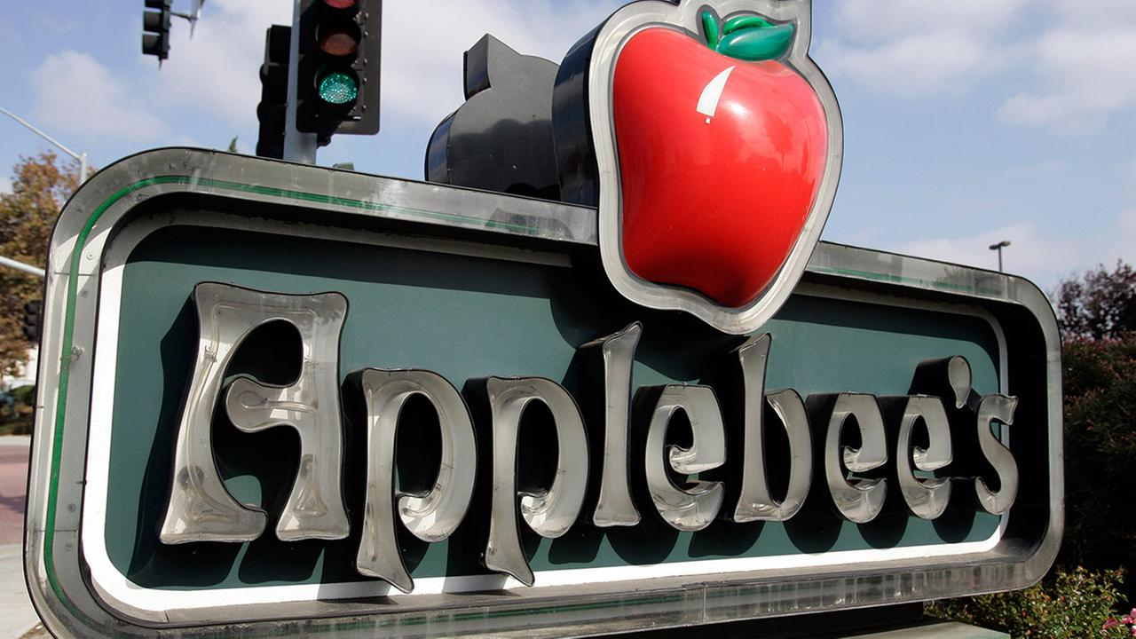 Exterior of an Applebees sign near their restaurant in Milpitas, Calif., Tuesday, Oct. 30, 2007.