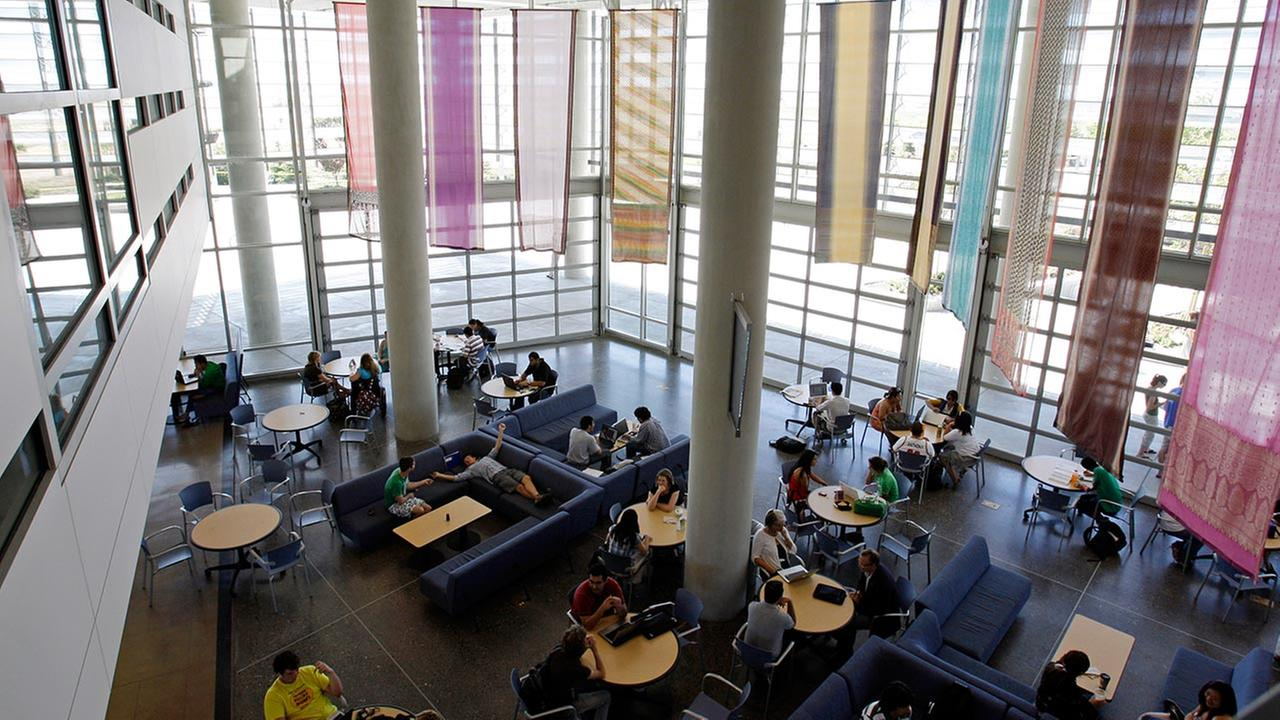 Merced students lounge in the lantern, a meeting place at the heart of campus in Merced, Calif., Monday, April 20, 2009.