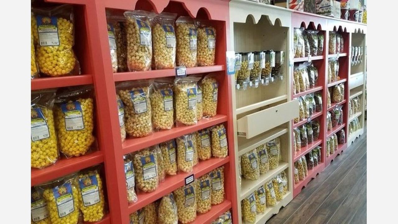Grandpas Popcorn and Sweets. | Photo: Dan O./Yelp
