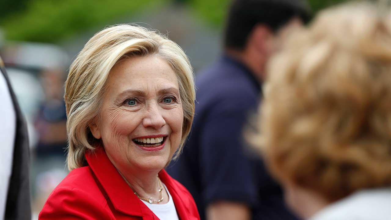 Seeking a candidate to love, voters find Clinton one to like