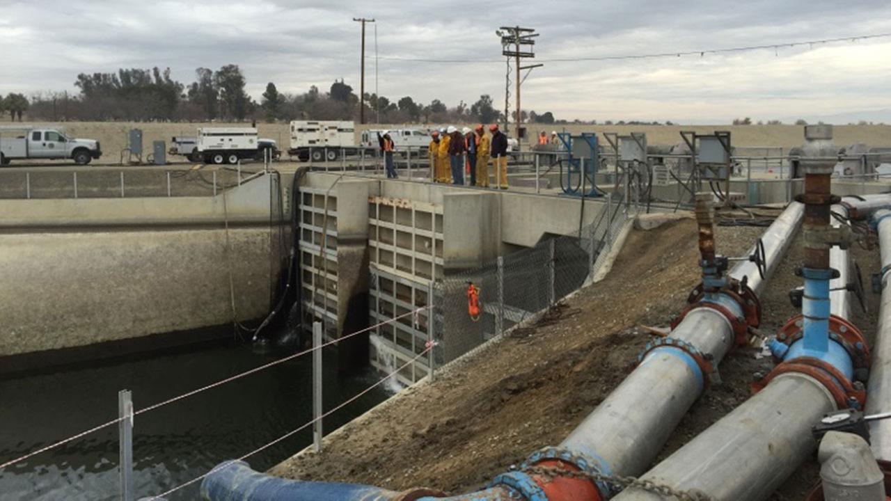 Water leak forces shutdown of California Aqueduct