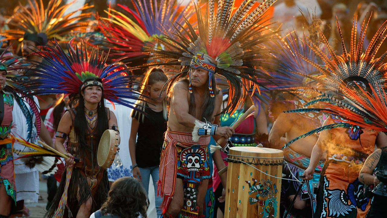 Native Americans head to a rally at the State Capitol in Denver, Colo., Thursday, Sept. 8, 2016, to protest in solidarity (AP Photo/David Zalubowski)