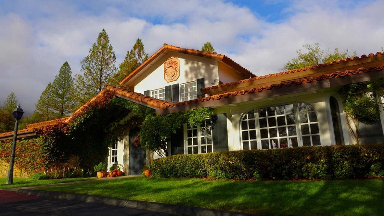 Longtime Erna's Elderberry House Restaurant owner announces retirement and sale