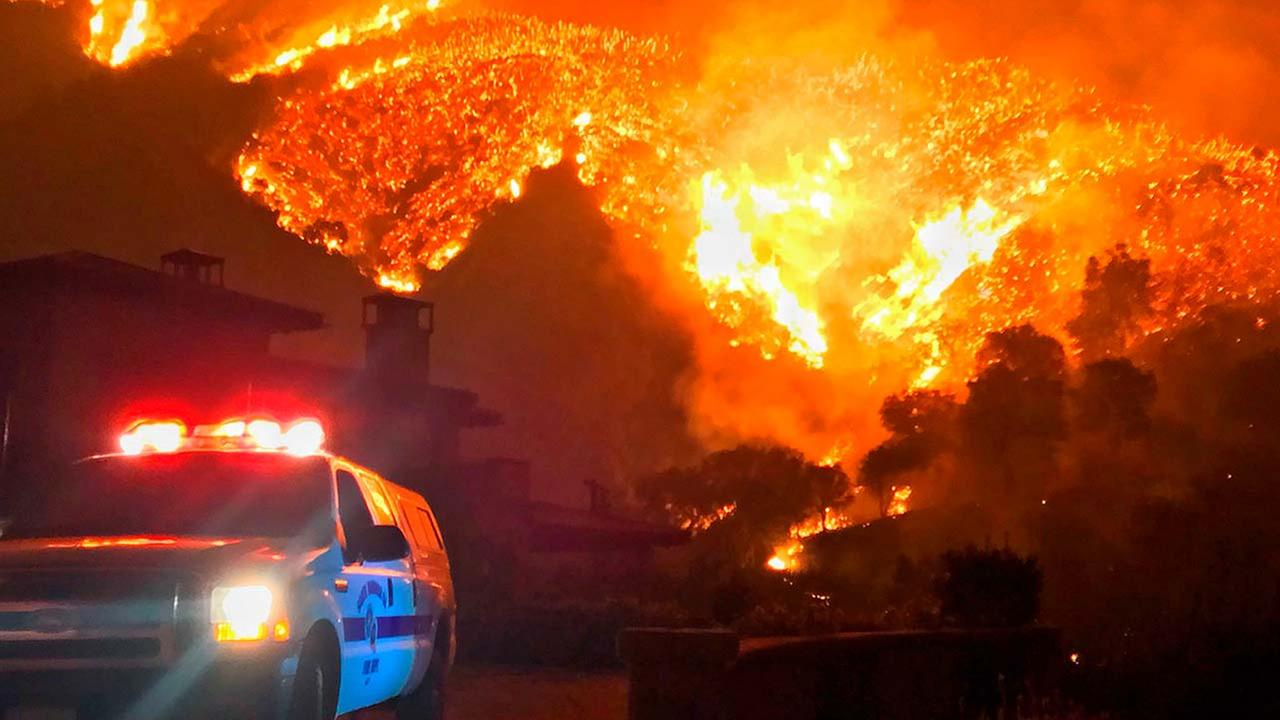 (Mike Eliason/Santa Barbara County Fire Department via AP, File)