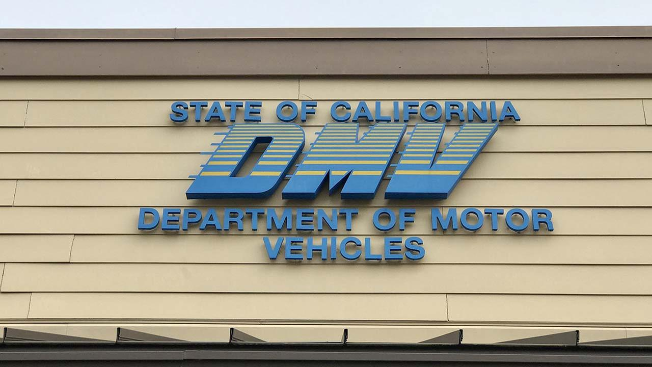 (SHUTTERSTOCK) According to DMV officials in Sacramento, a glitch in the online payment system could affect your money and your vehicle tags.