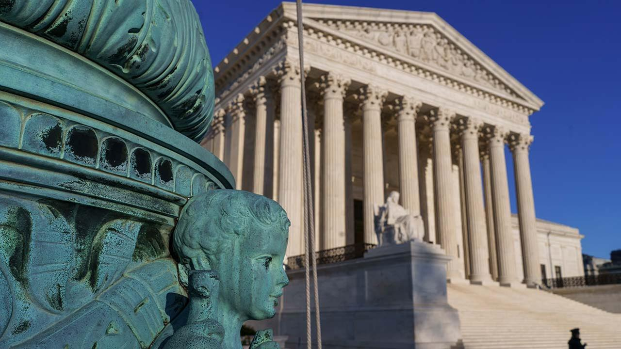 The Supreme Court says employers can prohibit their workers from banding together to complain about pay and conditions in the workplace. (AP Photo/J. Scott Applewhite)