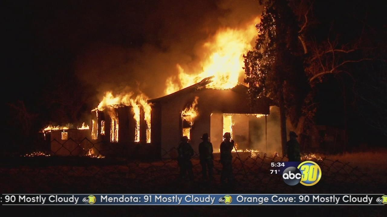 Investigators look into suspicious house fire in Fresno County