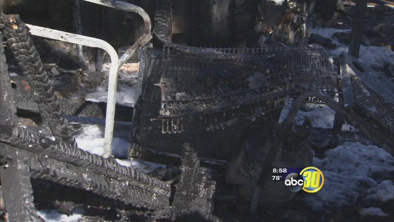 Duplex fire displaces 10 people in Northeast Fresno
