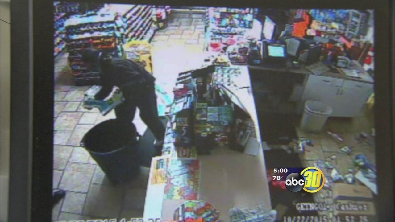 Fresno PD looking for suspects in cigarette theft