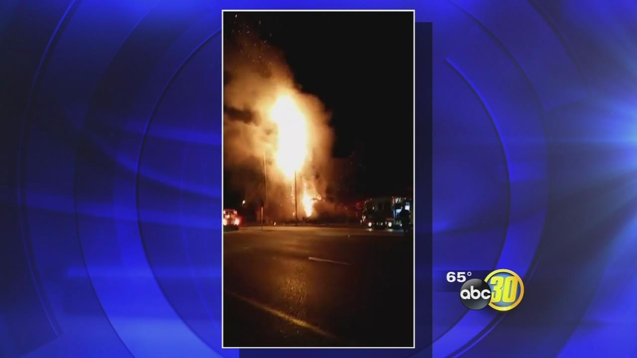 Fire breaks out at apartment building in Northeast Fresno