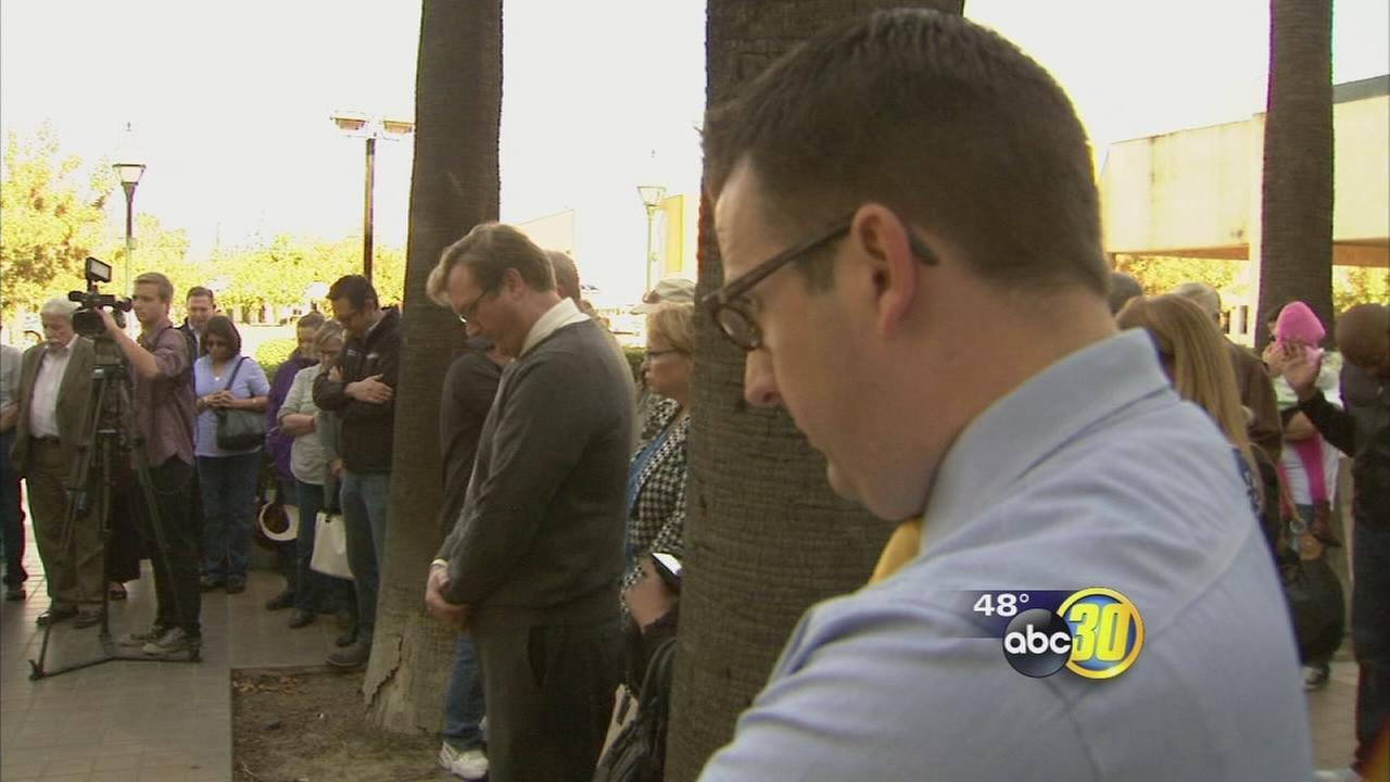 Political rally turns into prayer vigil for UC Merced victims