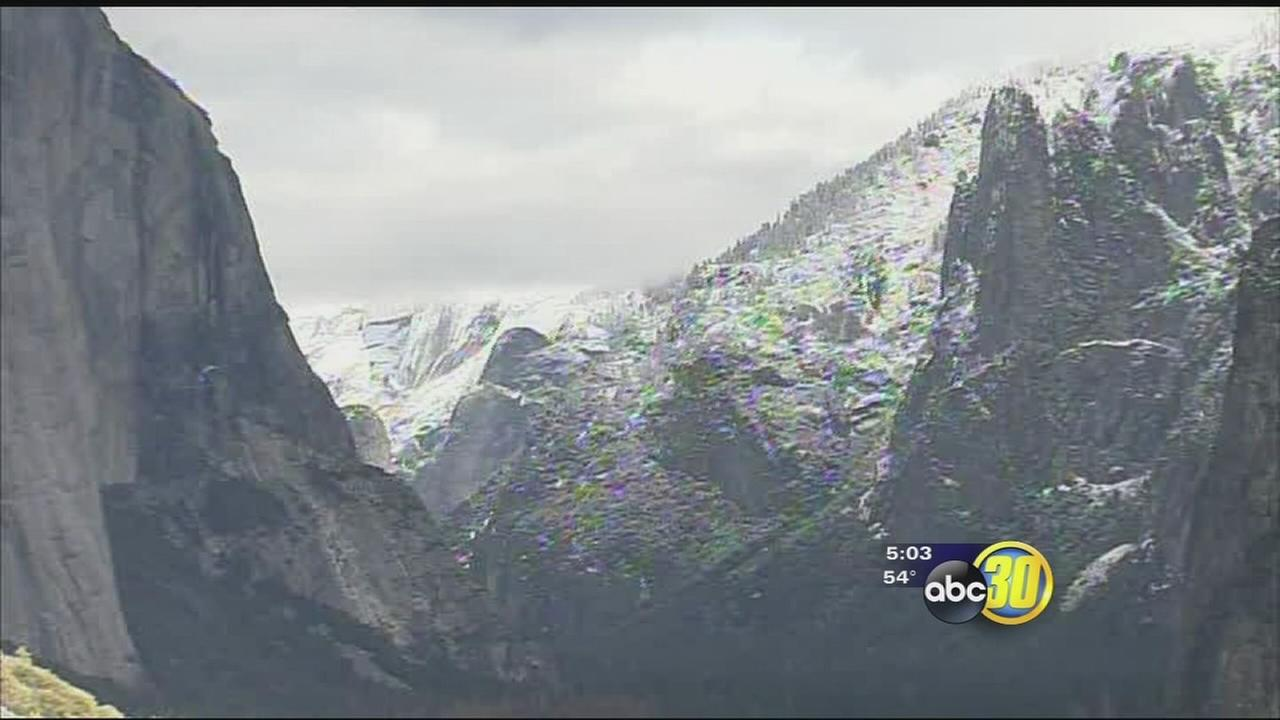 First snowfall in Yosemite valley