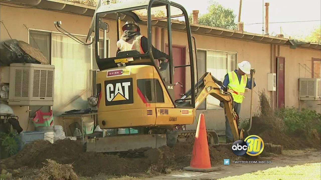 Construction crews begin work on broken gas lines at Summerset Village Apartments