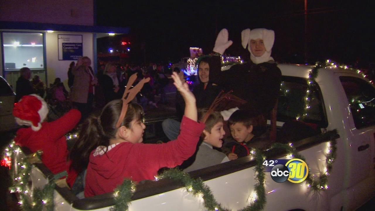 Christmas Parade brings holiday cheer to Caruther