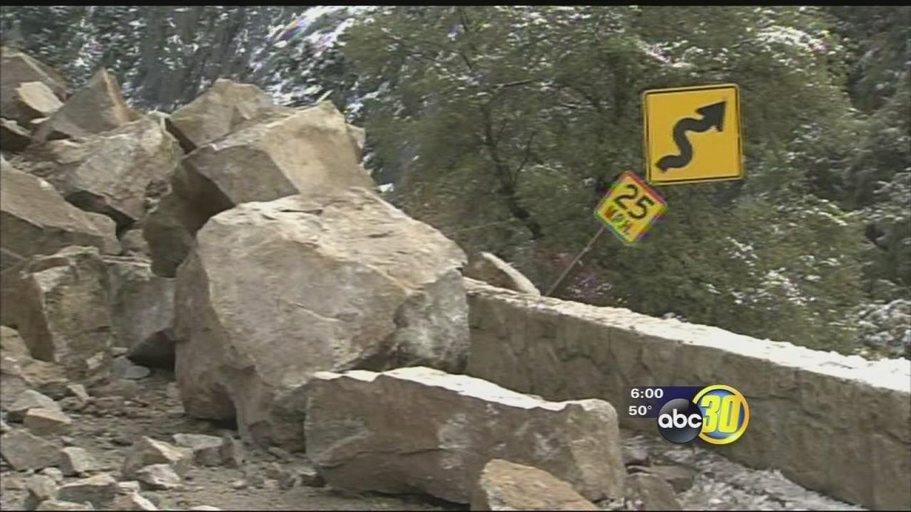 Highway 140 into Yosemite closed due to rockslide