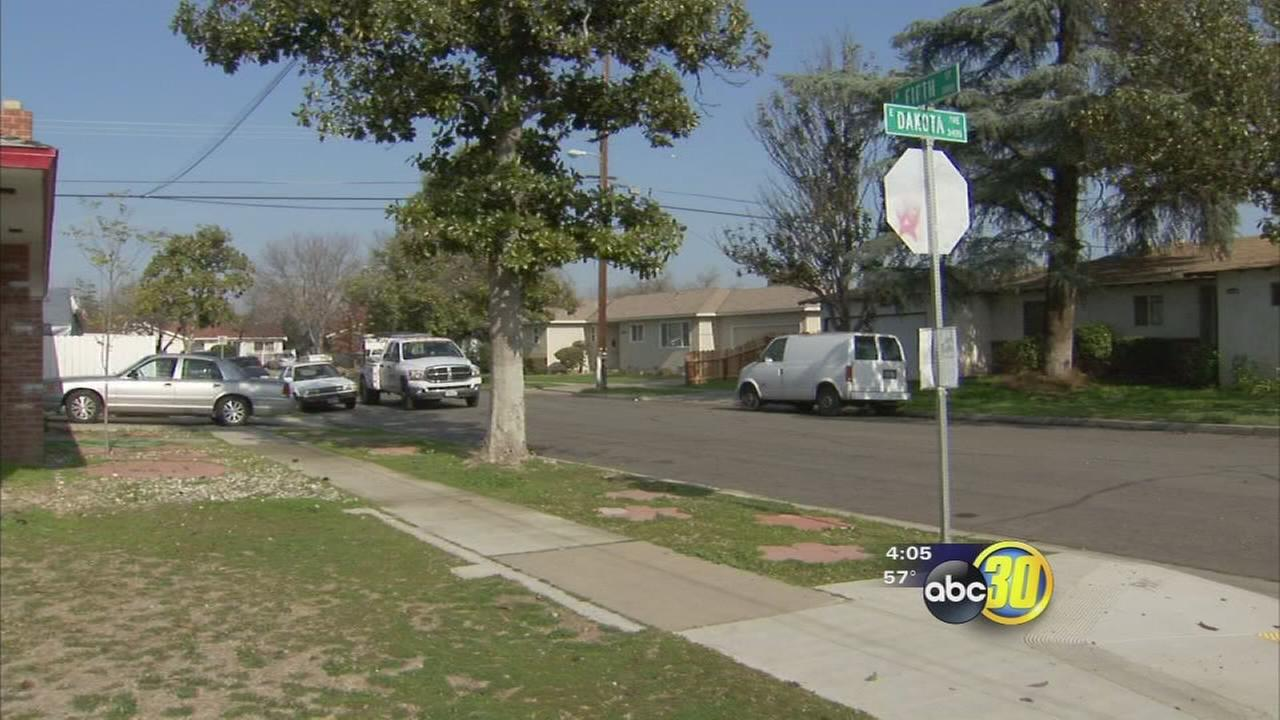 Police looking for purse snatcher who attacked a 60-year-old-woman in Central Fresno