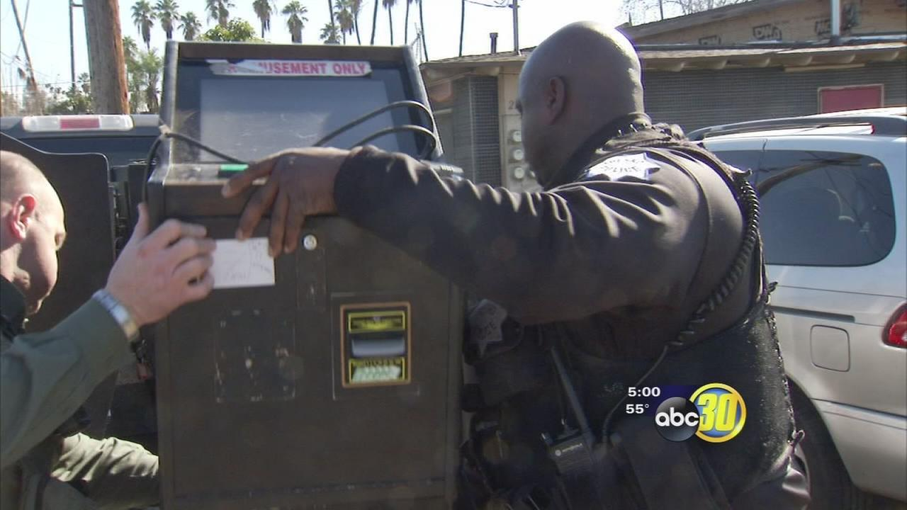 Sheriff deputies discover illegal gambling operation at Summerset Apartments in Central Fresno
