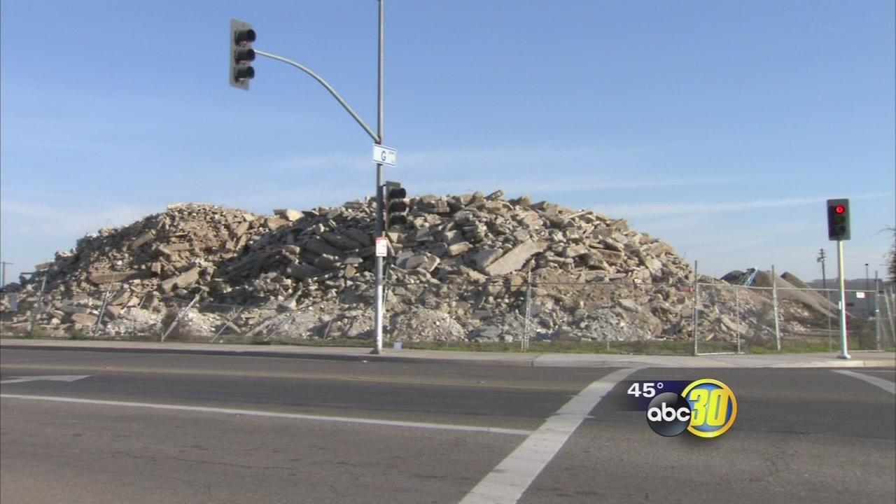 As Tuolumne Street bridge gets torn down debris piles up and gets a new life