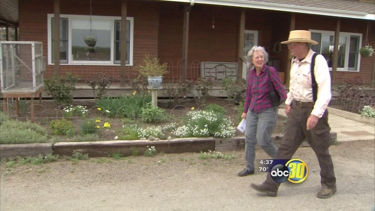 South Valley man helps fellow farmer in need