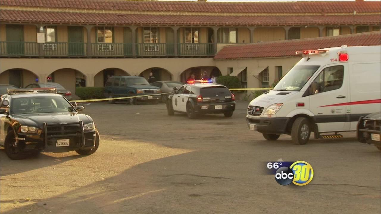 Shooting in Central Fresno sends 2 men to the hospital