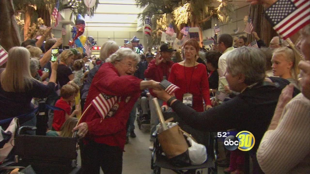 Valley veterans return home from Honor Flight to cheering crowds
