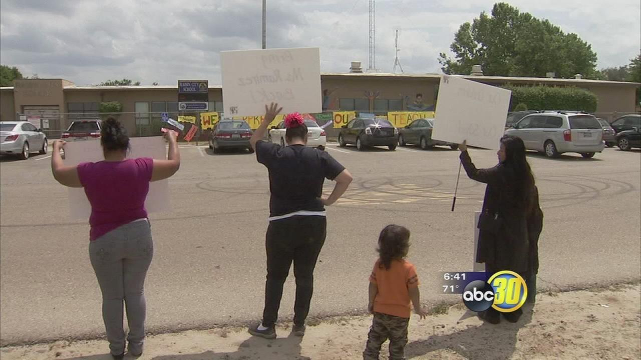 Parents protest outside of Raisin City Elementary School over recall election