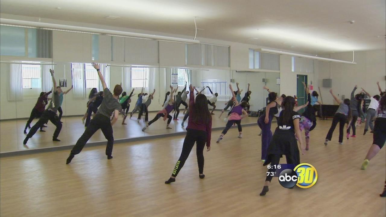 Students from the Julliard School of the Performing Arts teaching local kids