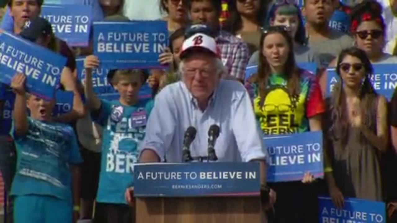 Bernie Sander speaks in Visalia