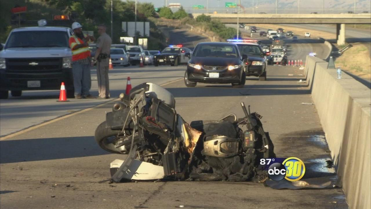 062116-kfsn-11pm-chp-crash-vid