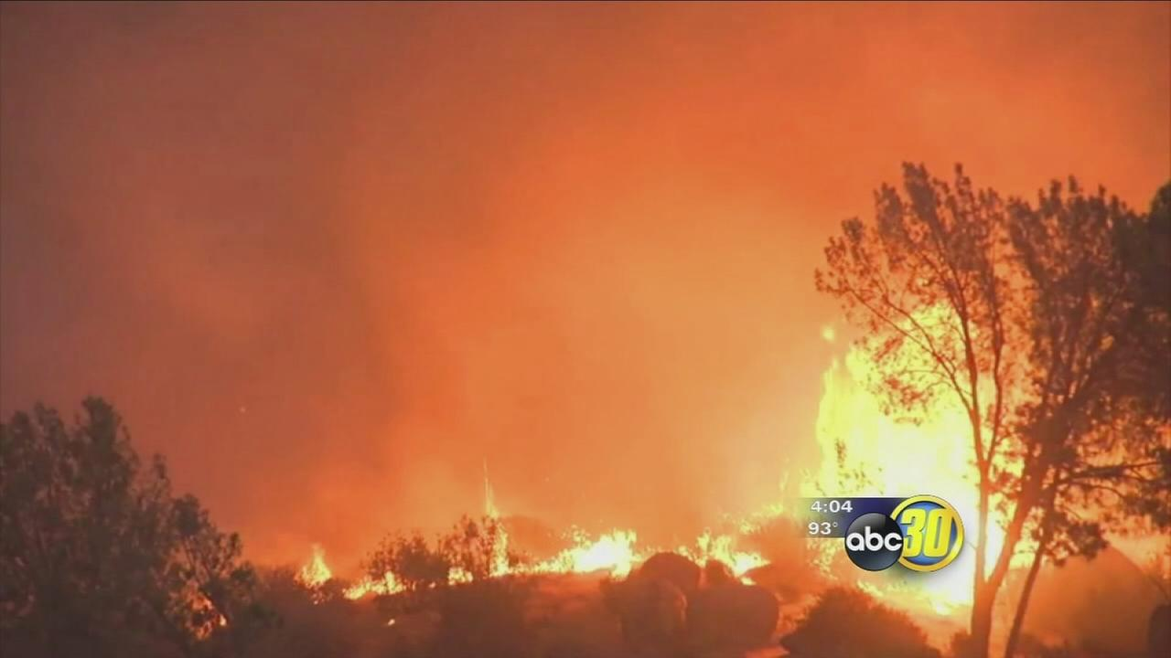 Residents forced to flee as wildfire rages in Kern County