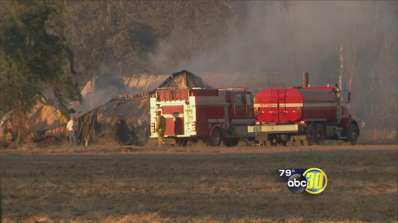 Grass fire near Chowchilla destroys farm structures