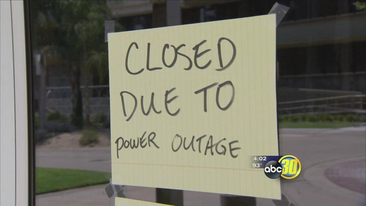 Power outage impacts 900 Downtown Fresno PG&E customers including Fresno PD