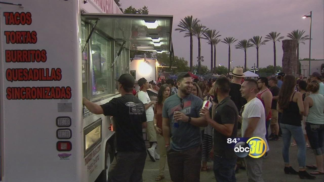 081816-kfsn-11pm-taco-truck-throwdown-vid_1