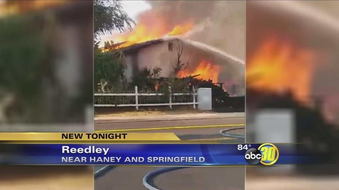 082116-kfsn-11pm-reedley-fire-vid