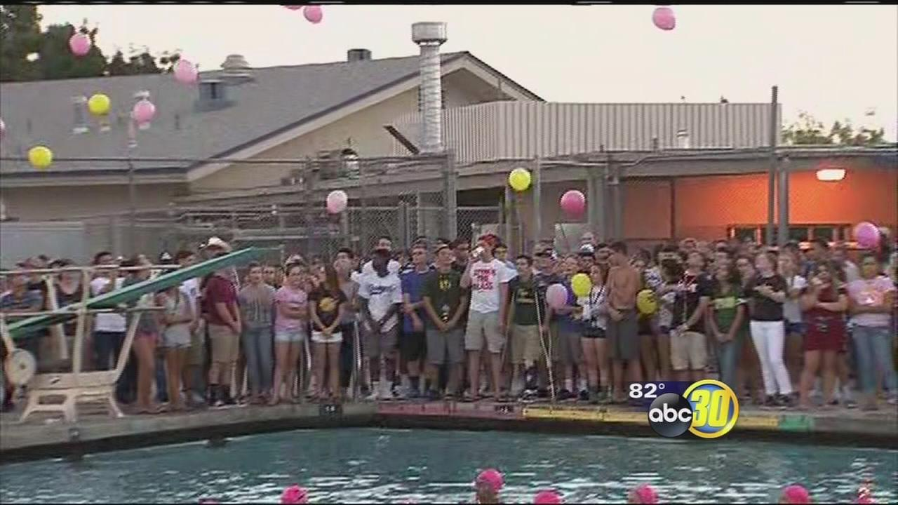 Students honor Hanford pricipal who took his own life