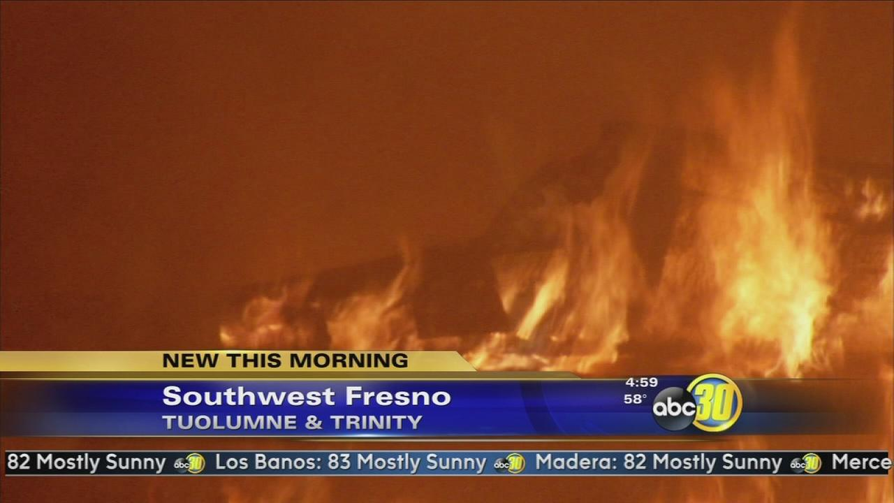Fire destroys abandoned home in Southwest Fresno