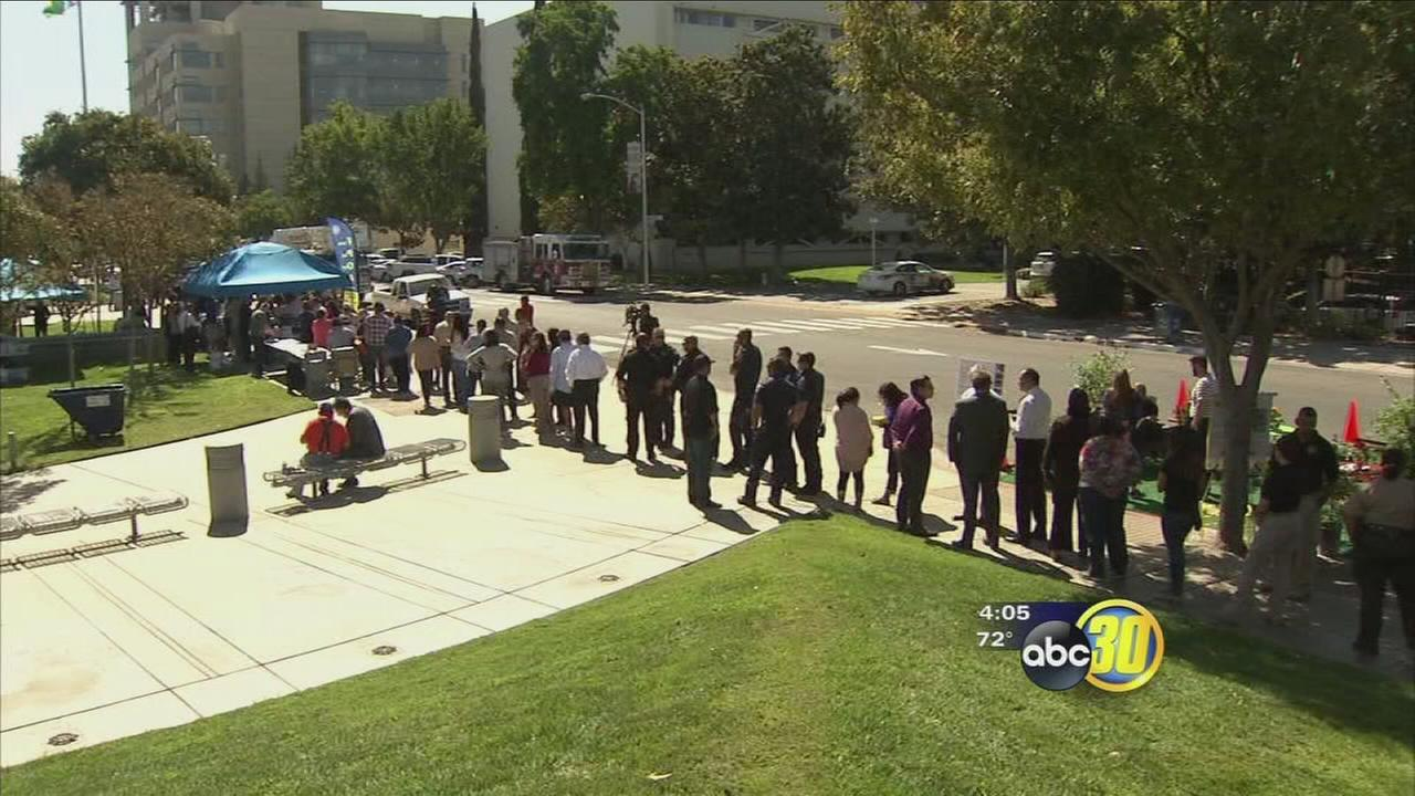 Community continues to show support officers injured in shooting at Fresno County jail