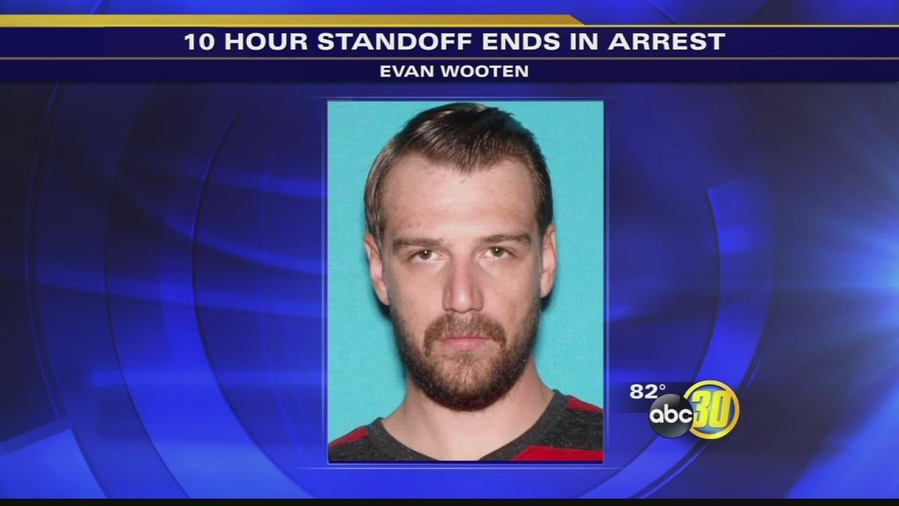 Suspect in standoff with Clovis PD in custody