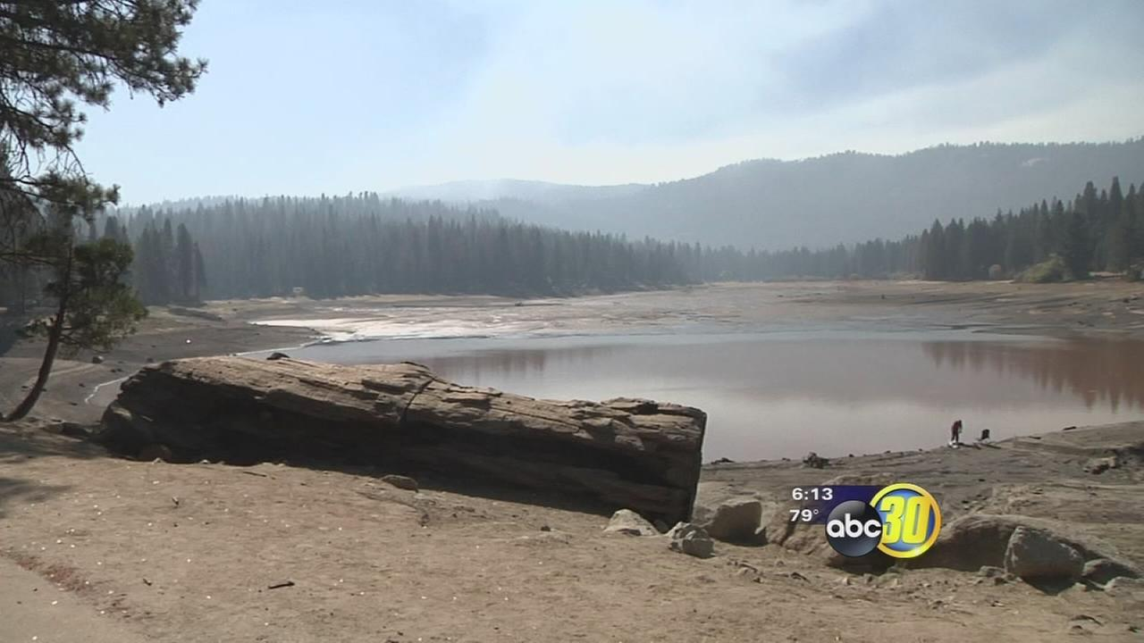 Hume Lake drained to fix leaky dam