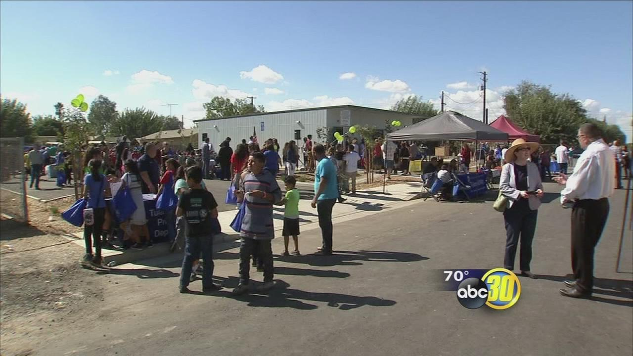 Tulare County town celebrates own public library