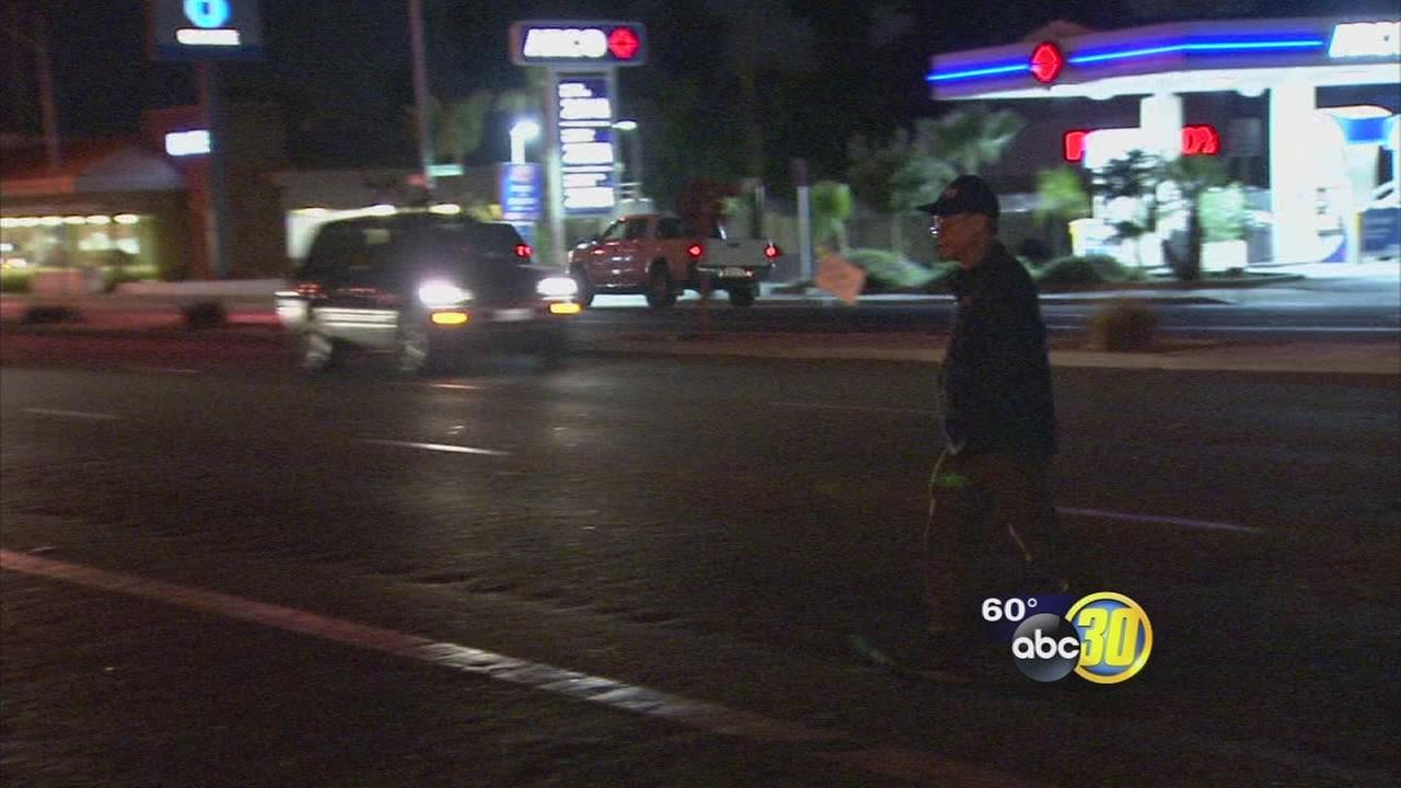 People jaywalking in Fresno a bad habit forcing police to take action