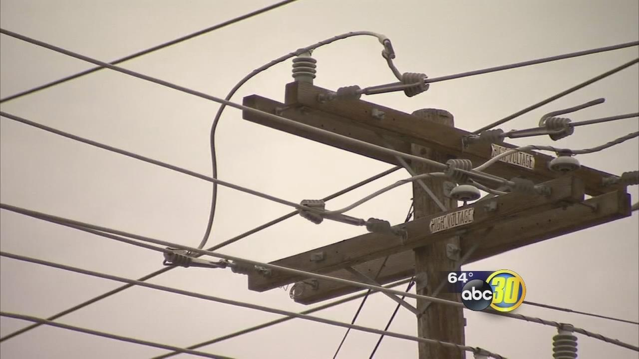 As rain falls PG&E prepares for possible power outages